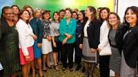 Andifes entrega à presidente Dilma projeto para universidades federais